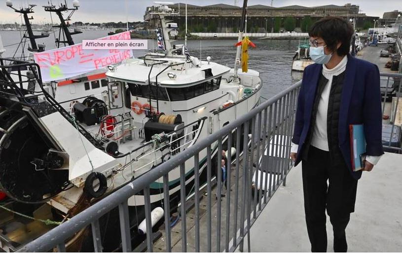 La ministre Annick Girardin soutient les pêcheurs mais ne fait pas d'annonces